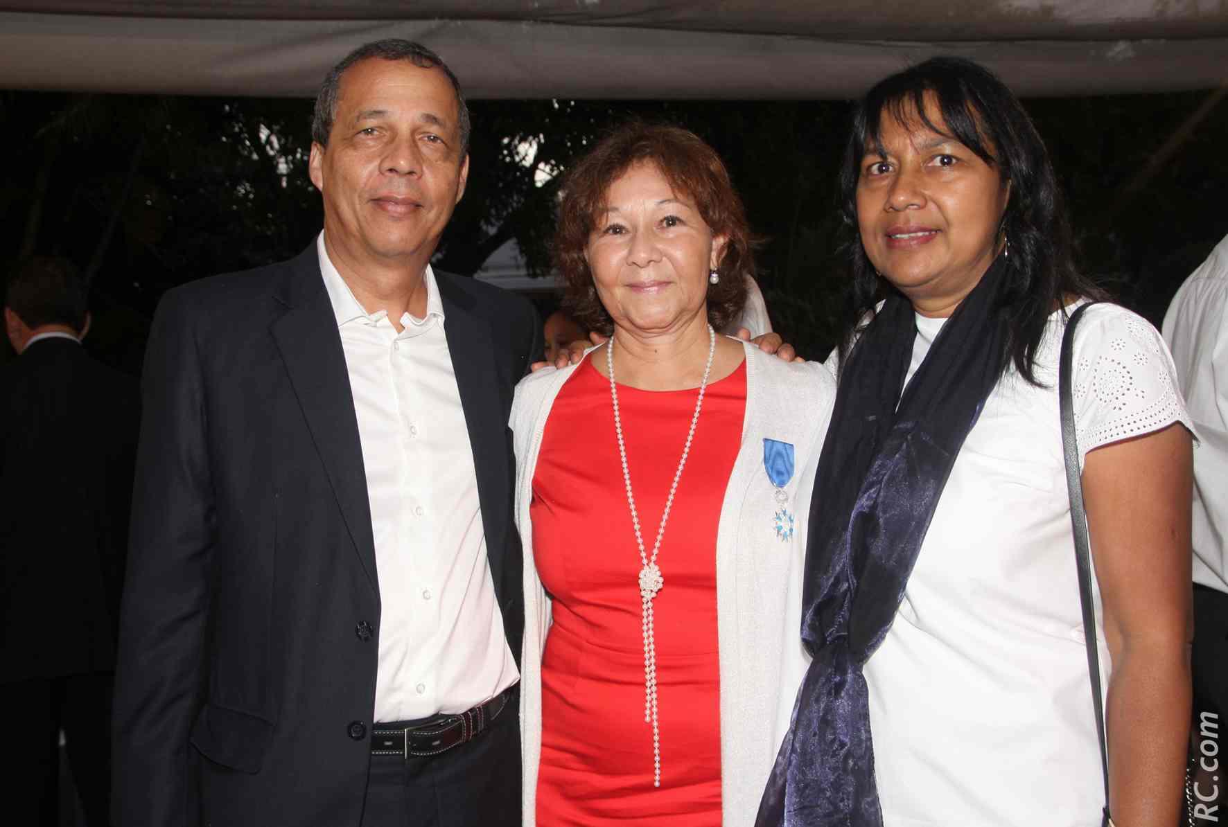 Avec Yves Lanave, contrôleur principal au service des impôts de particuliers à Saint-Paul, et Joëlle Lanave, assistante de direction à l'AAPEJ