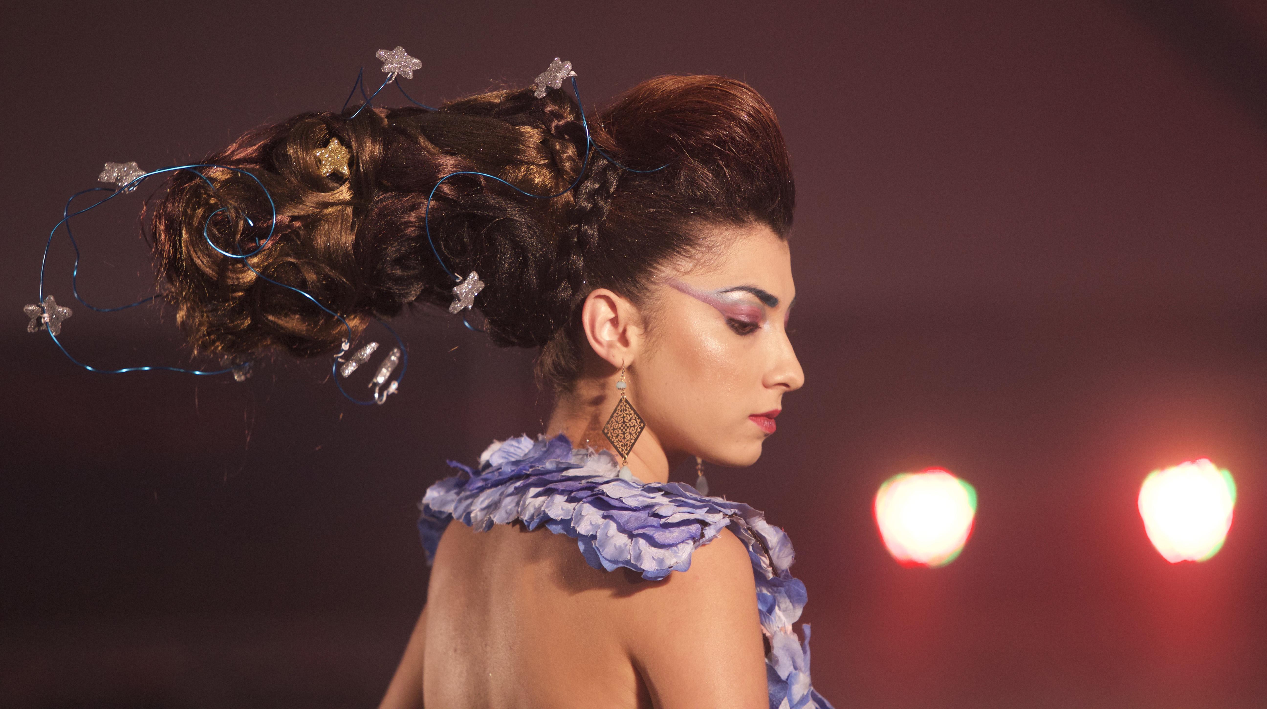 """Show coiffure à la Plaine des Cafres<br>""""La tête dans les étoiles"""""""
