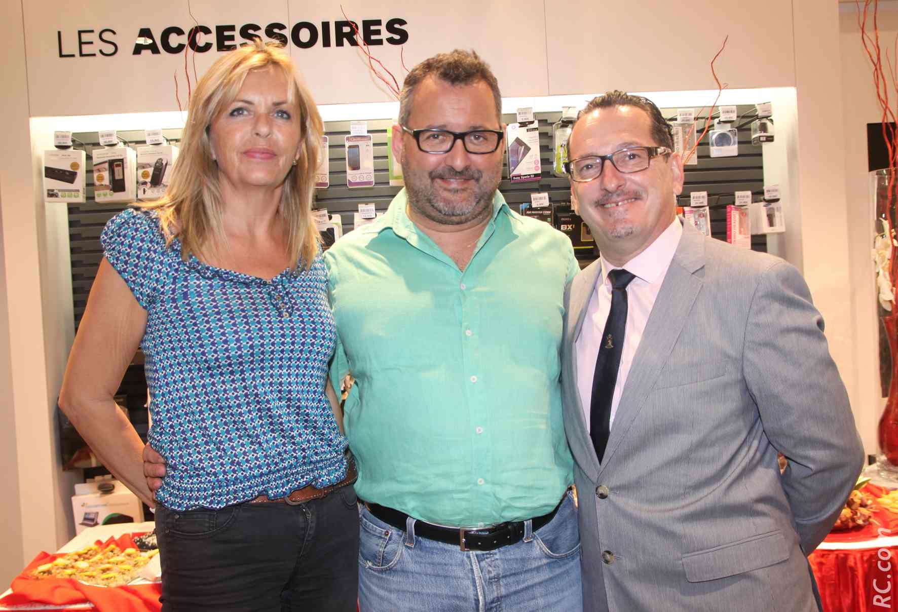 Eve et Hervé Challanes de 3A Overseas Réunion, cabinet de commissaires aux comptes et d'experts comptables, et Laurent Piédimonte.