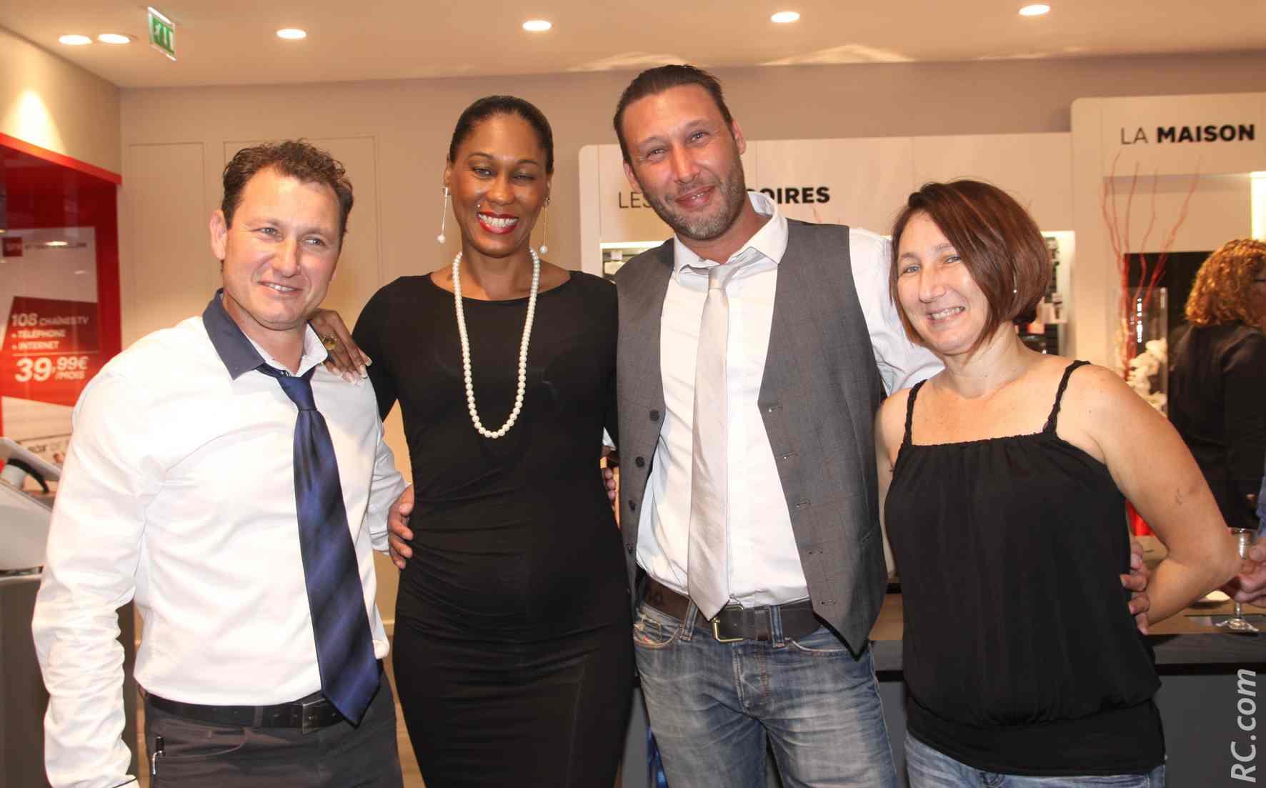 Fabrice Hoarau, commercial à la Cilam,  Aïdy Pfuetzenreuter, Nicolas Ouahnich de Home Deco Design, et Pascale Hoarau