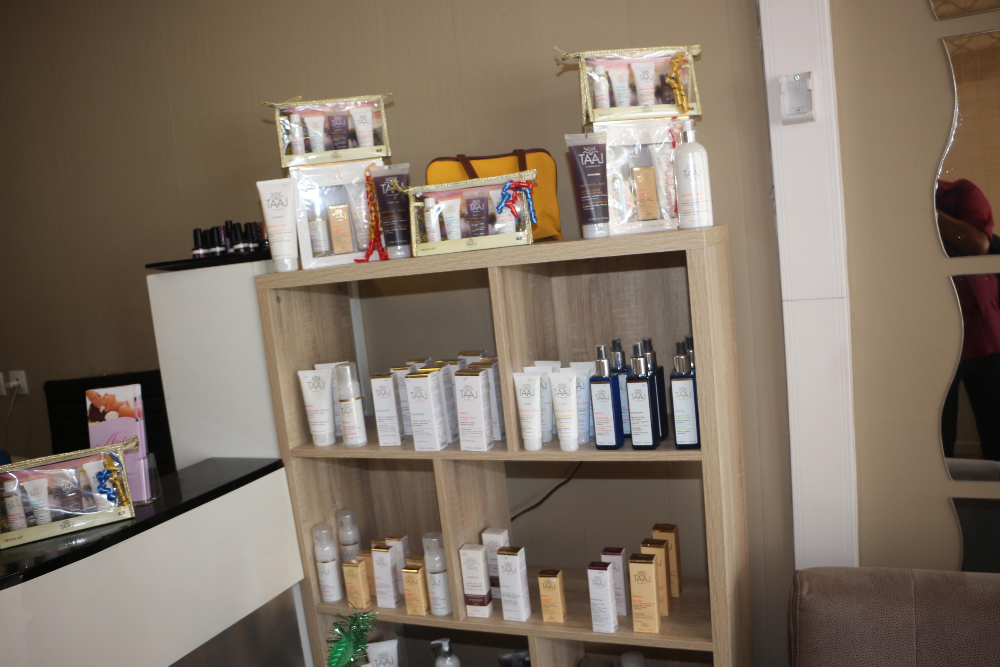 Ania utilise Taaj Paris, à base de produits naturels indiens