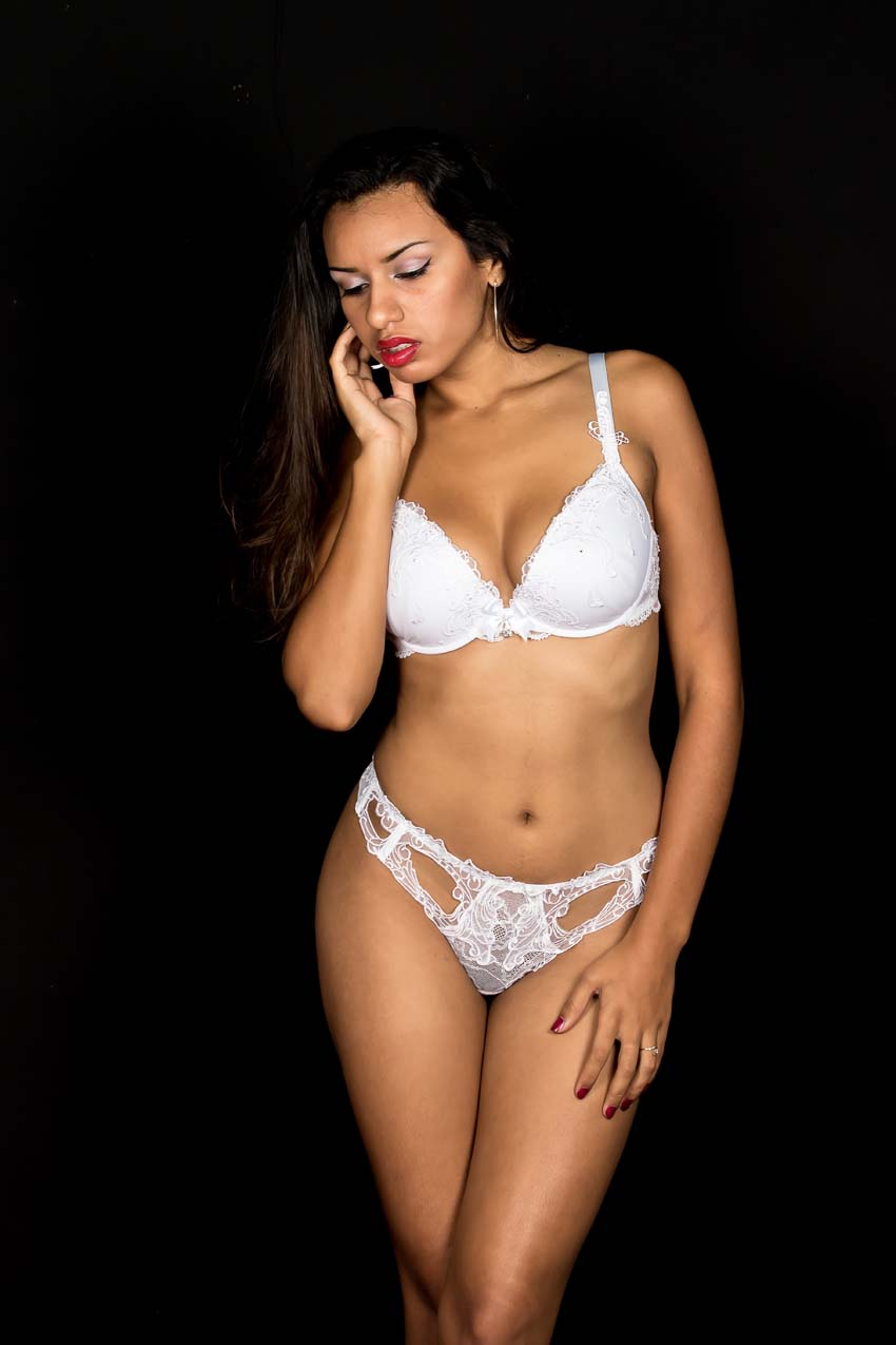 1.Jolie et sexy…