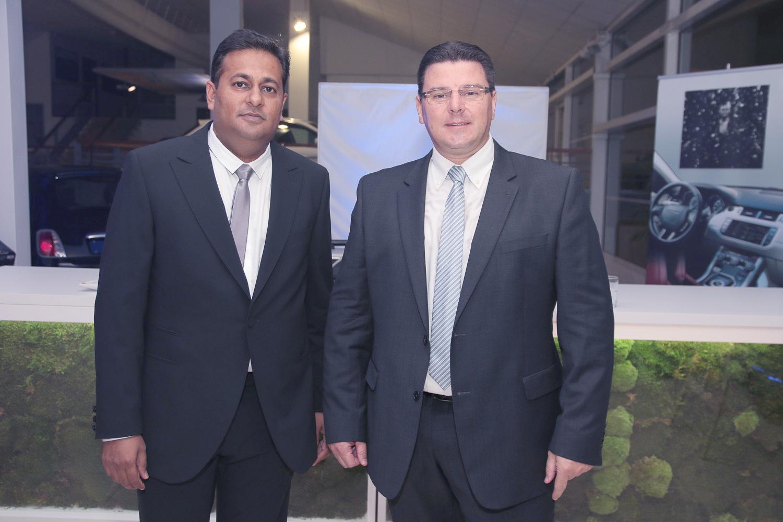 Salim Doba, commercial ventes Jaguar et Land Rover, et Grégory Legendre
