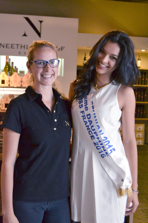Miss Réunion en Afrique du Sud<br>Azuima Issa à Capetown, le rêve continue...