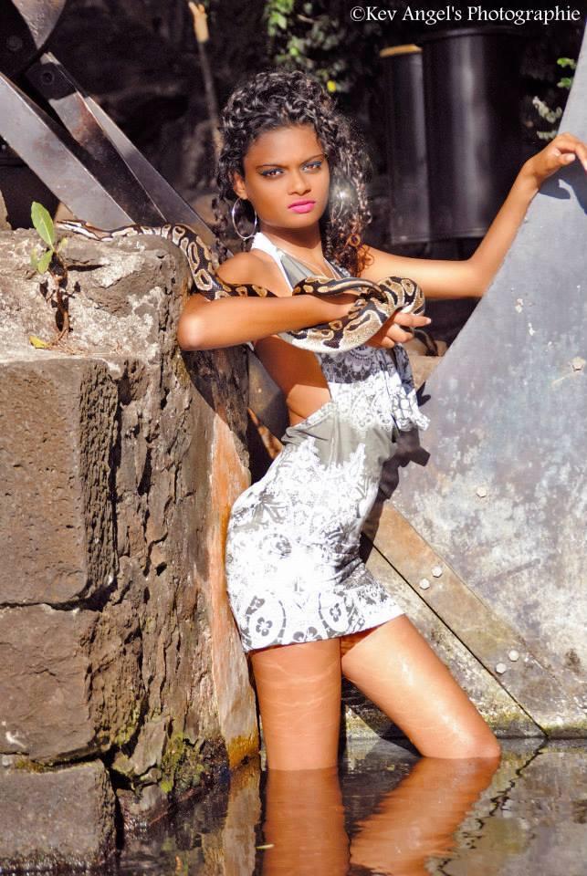 Elsa Caroumbaye possédait deux serpents qu'elle a dû vendre avant de quitter l'île...