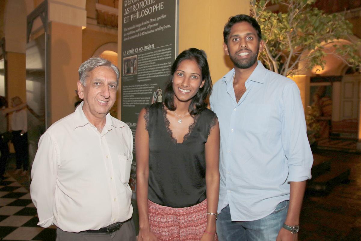 Aziz Patel, Anne-Laure Ringanadépoullé, de Alango Productions, et son ami Sandjay Moutien de Primassurances Constructions