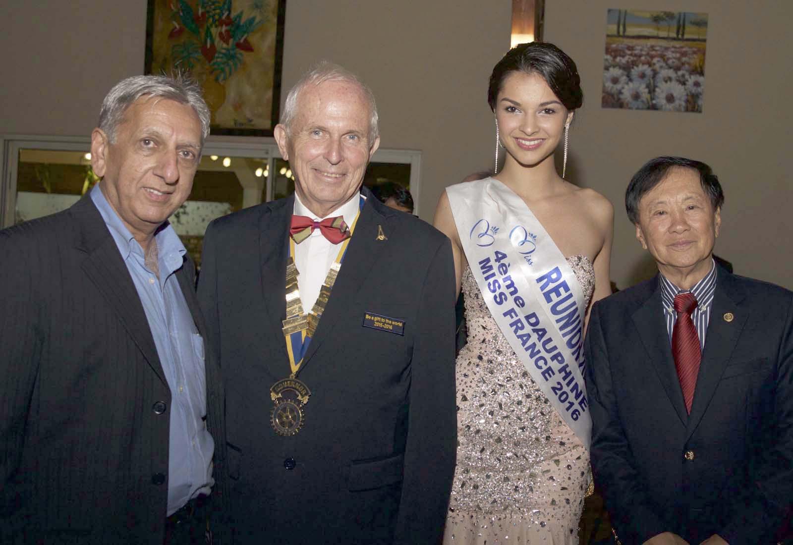 Aziz Patel du Comité Miss Réunion, Jean-Marie Fumery, Azuima Issa et André Thien Ah Koon