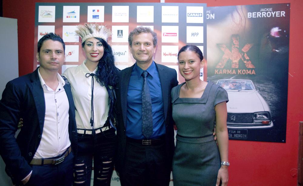 Aurélia avec le maire et son équipe