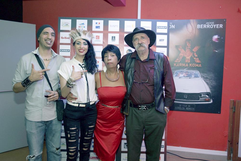 Aurélia Mengin avec ses parents Roselyne et Vincent, et son frère