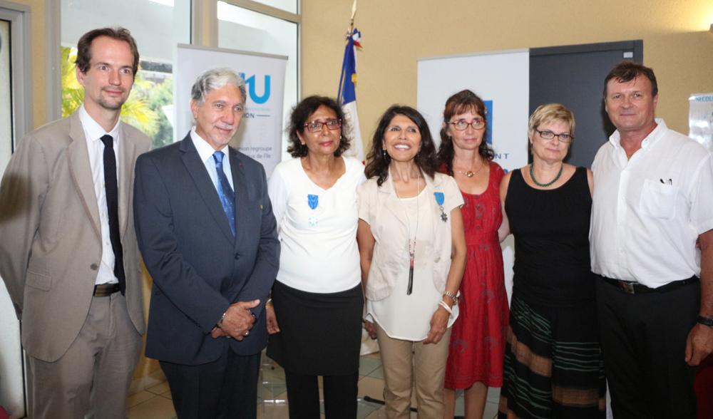 David Gruson, ex-directeur général du CHU de La Réunion, Philippe Nativel Tayeba Moullan, Nassimah Dindar et des bénévoles de Sourire de l'Enfant