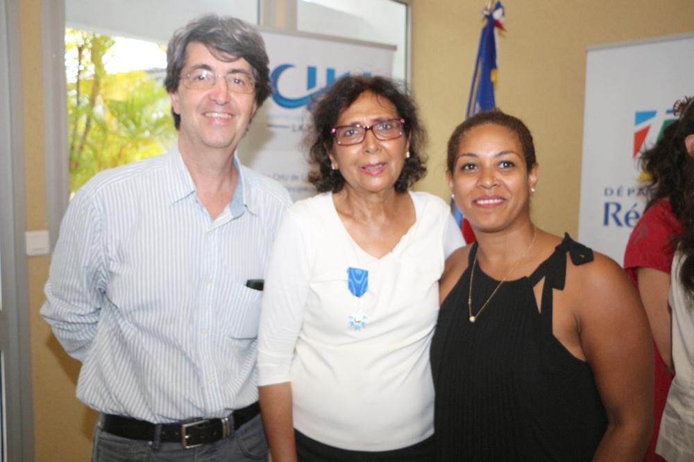 Tayeba avec Jean Luc Michel, président de la Maison des Parents, et Osna Djardjee, directrice