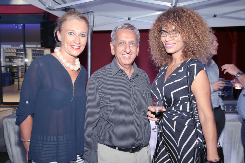 Catherine, Aziz et Caroline