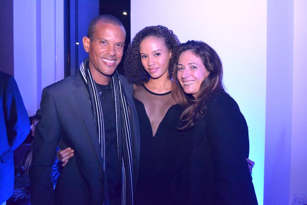 Pauline, Elite Model Look Caraïbes, avec l'équipe organisatrice des Antilles