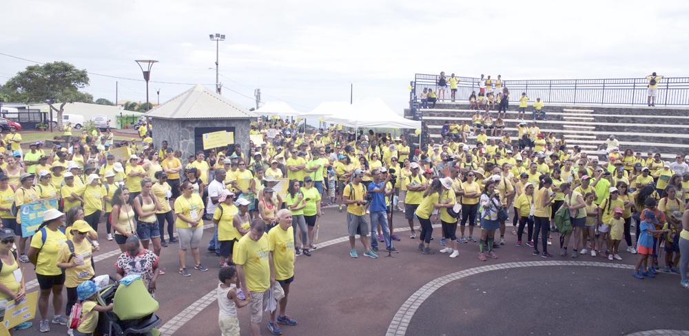 Un millier de personnes Place des Festivités à Trois Bassins
