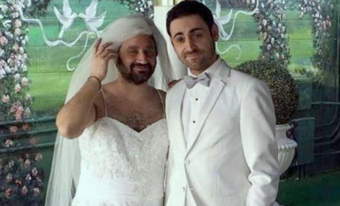 Une mariée très barbue