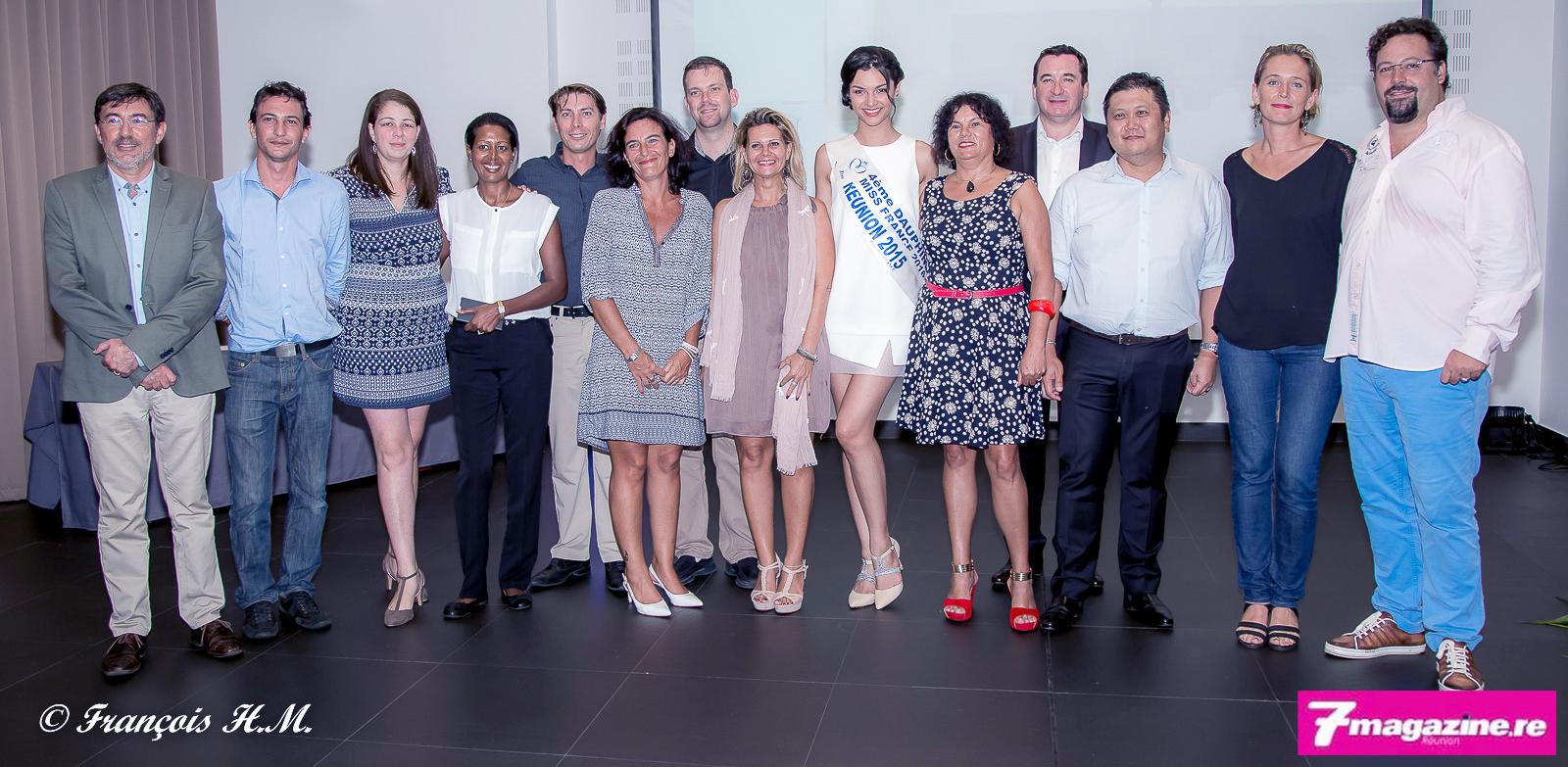 Yann et Alexandra Lefebvre (à droite) avec les directeurs des hôtels Exsel et d'Azuima Issa