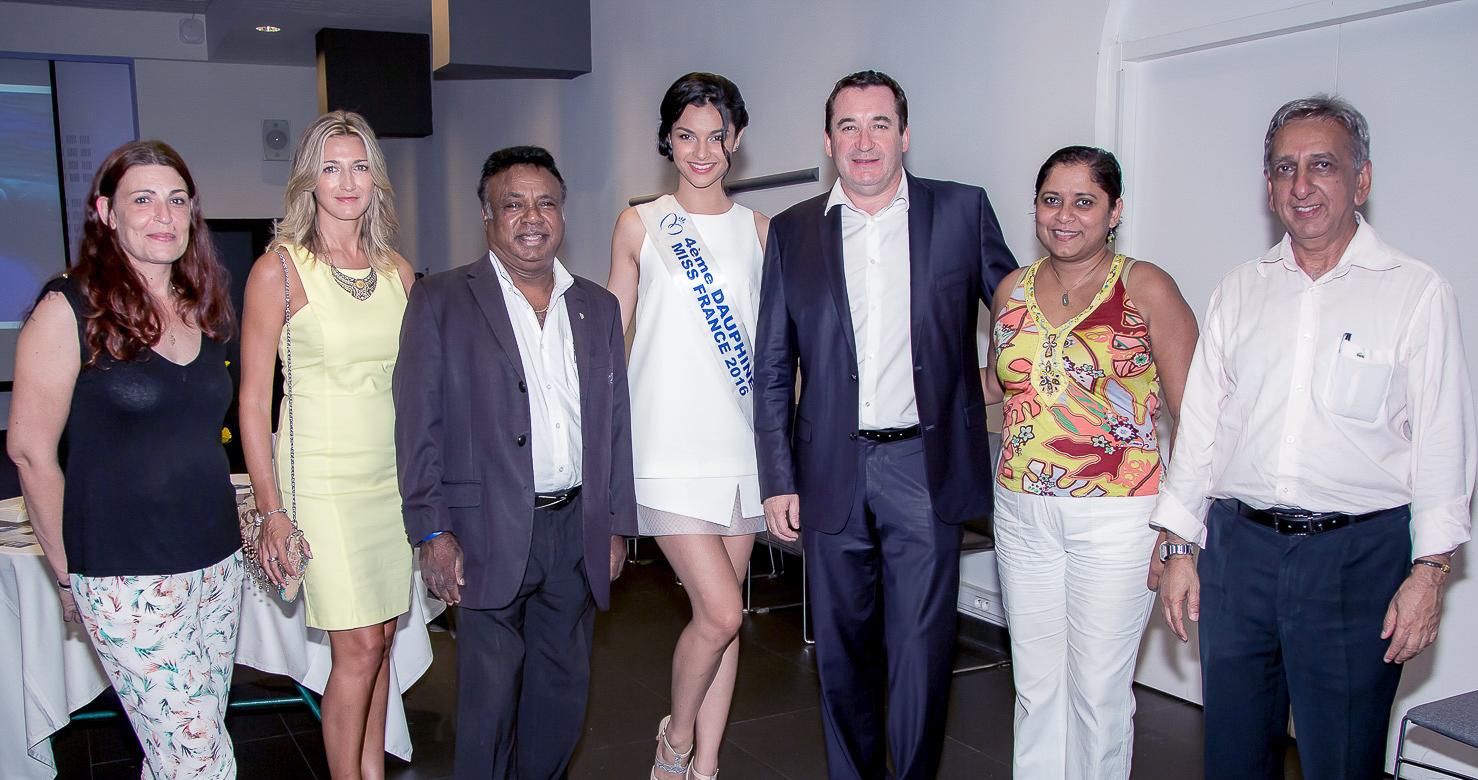 Virginie Turonnet, Armon Coupou, Azuima Issa, Pascal Turonnet, directeur, Jimmye Coupou et Aziz Patel
