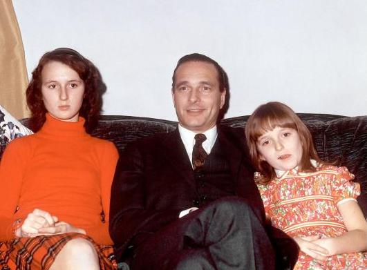 Jacques Chirac entourée de ses deux filles: Laurence et Claude