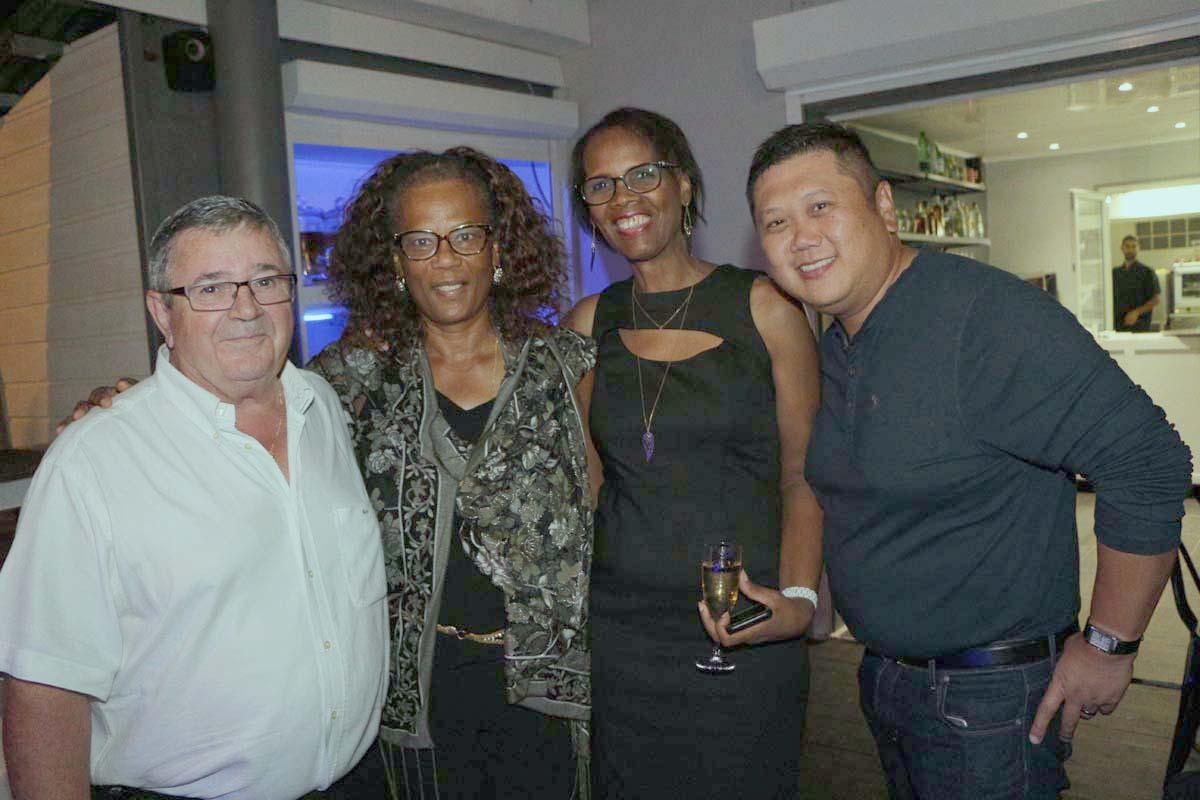 Alain Lemée, gérant Canne et Balles, Anne Marie Moreau de la CGSS, Louisiane, et Bernard Ative, gérant de l'Hôtel Austral