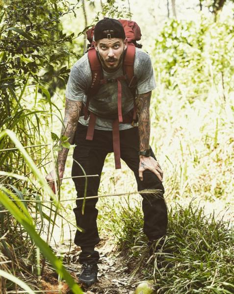 Et en mode naturel, dans la jungle il y a quelques mois en tournage pour Running Wild