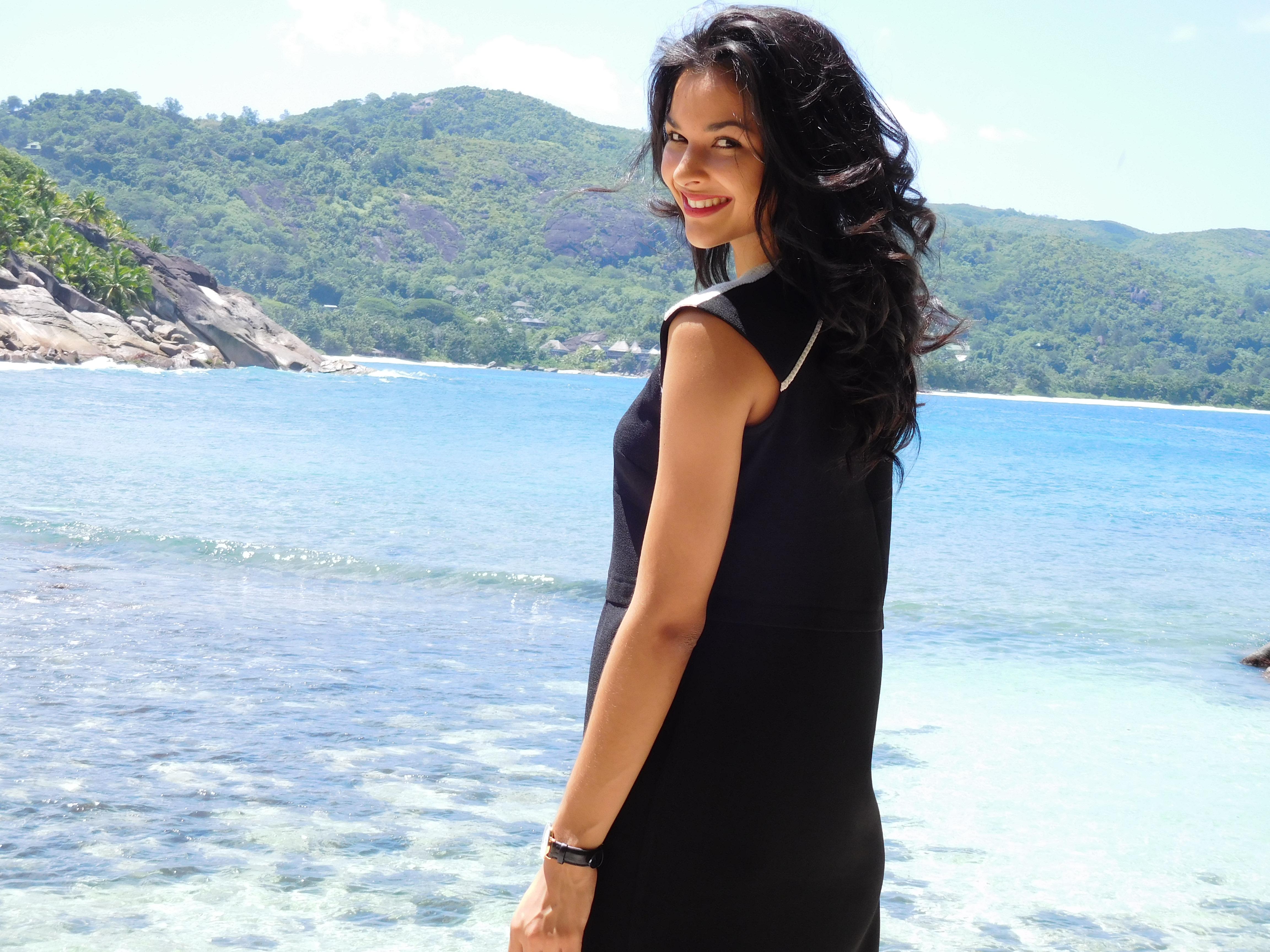 Miss Réunion découvre les plages des Seychelles