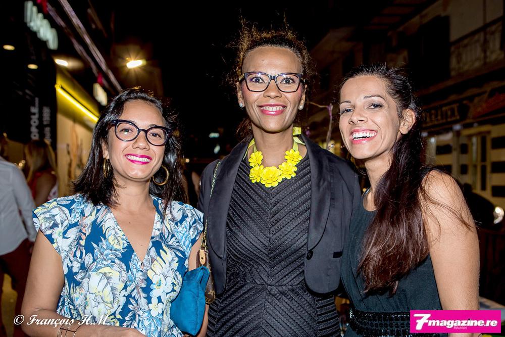 Séverine Nirlo, DGA du Conseil Régional entourée d'Asma Ingar et d'une amie
