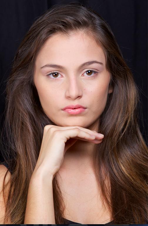 Kiara, 14 ans, 1m75