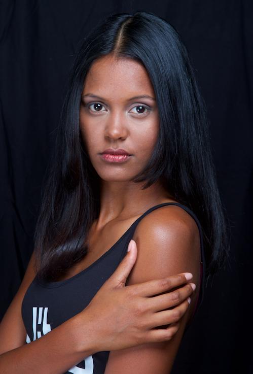 Naïma, 17 ans, 1m76
