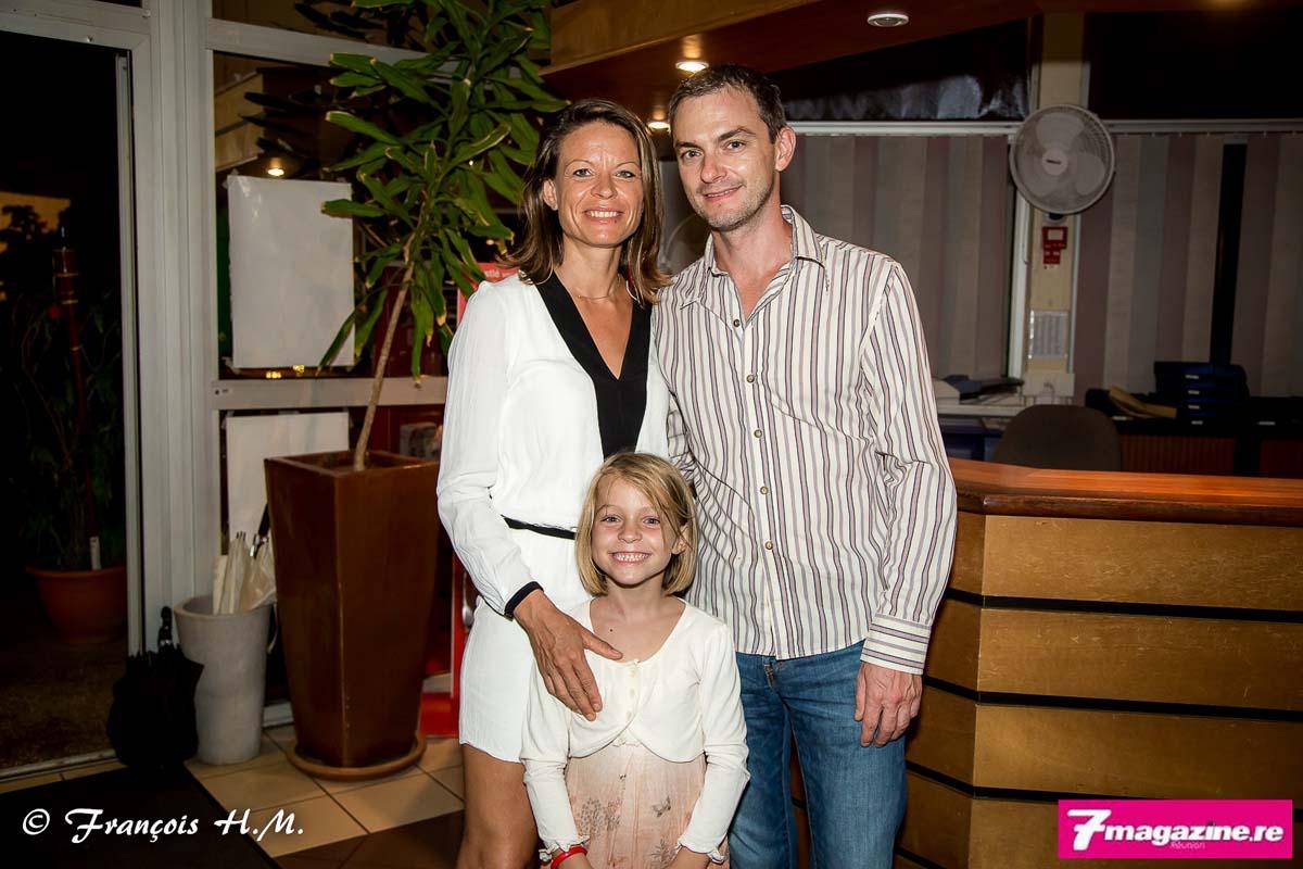 Anne-Sophie Loger avec son époux et sa fille Nina