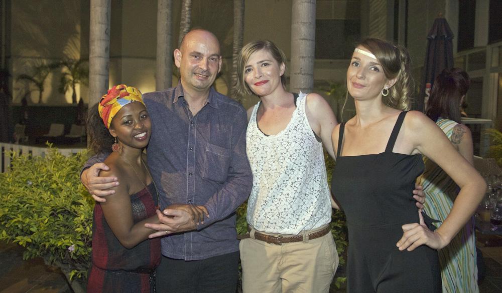 Maria Rousset, créatrice (à gauche), avec ses deux mannequins