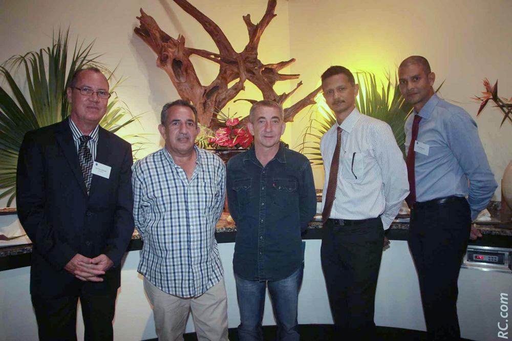 Guy Fontaine, conseiller AGR2 La Mondiale, Johnny Payet et Jacky Amanville, chefs d'entreprise, Hervé Brunel et José Campemae, conseillers AGR2 La Mondiale
