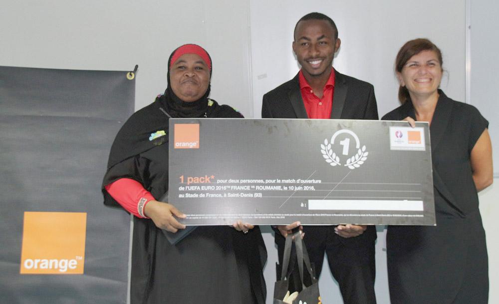Mireille Helou (à droite) avait le sourire, et les gagnants encore plus!