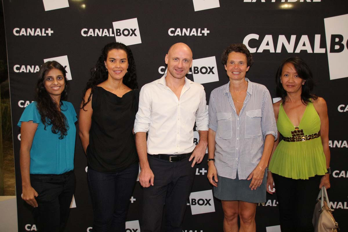 Nassima Omarjee d'Antenne Réunion, Valérie Marianne, Frédéric Douarin, Catherine Carde, et Eva Doande