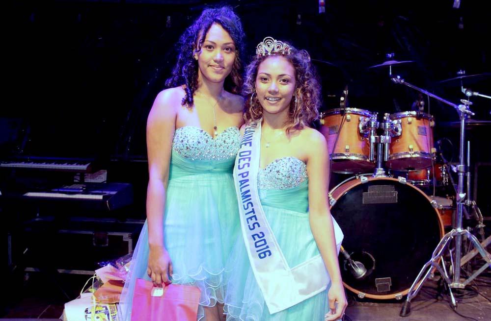Emelyne avec sa soeur Médérice, qui était aussi candidate