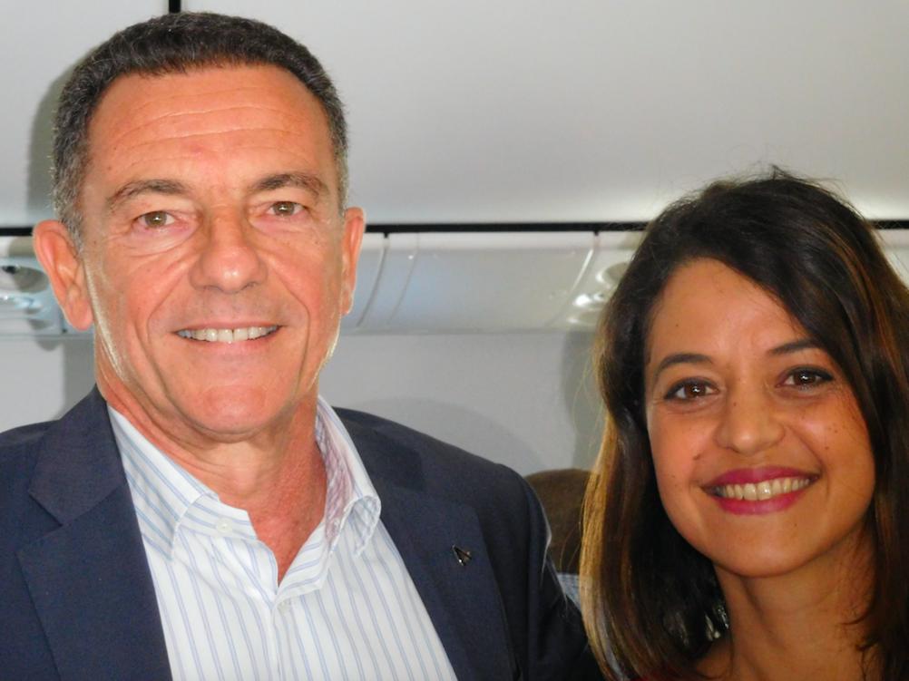 Jean-Marc Grazzini, directeur adjoint d'Air Austral, et Stéphanie Bégert, responsable de la communication interne