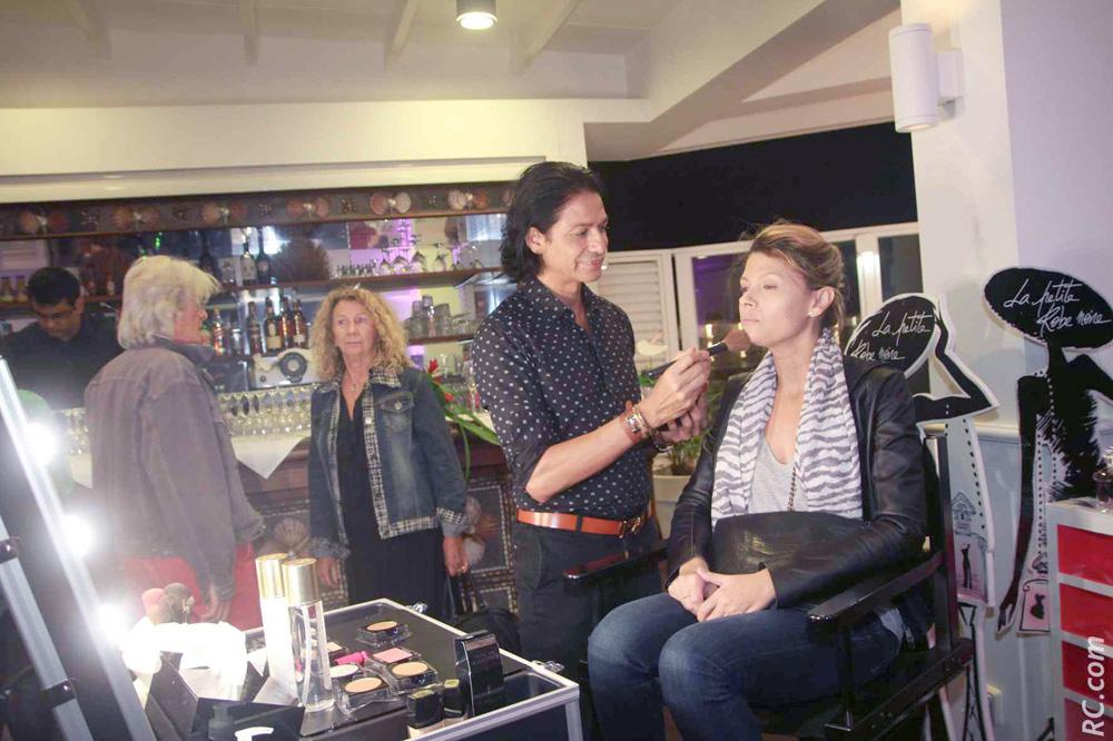 Des démonstrations de maquillage étaient proposées aux invités: «Pendant» et «Après». Concluant, non?