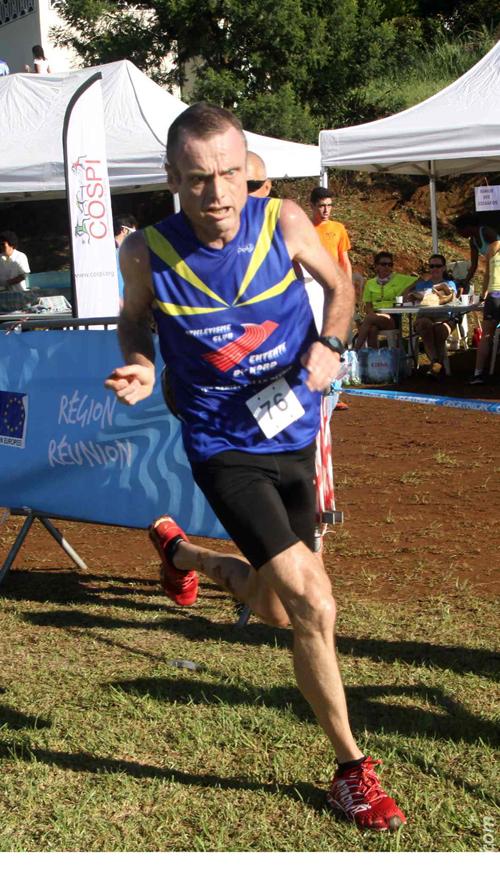 Arnaud Moël revient sur le semi-marathon et porte les couleurs de la Réunion.