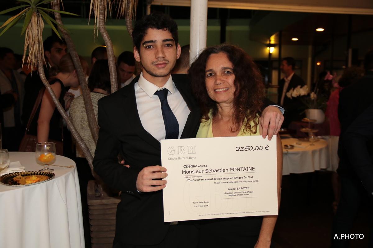 Sébastien Fontaine (fils de Jean-Michel Fontaine, ex-RFO Réunion), et sa maman