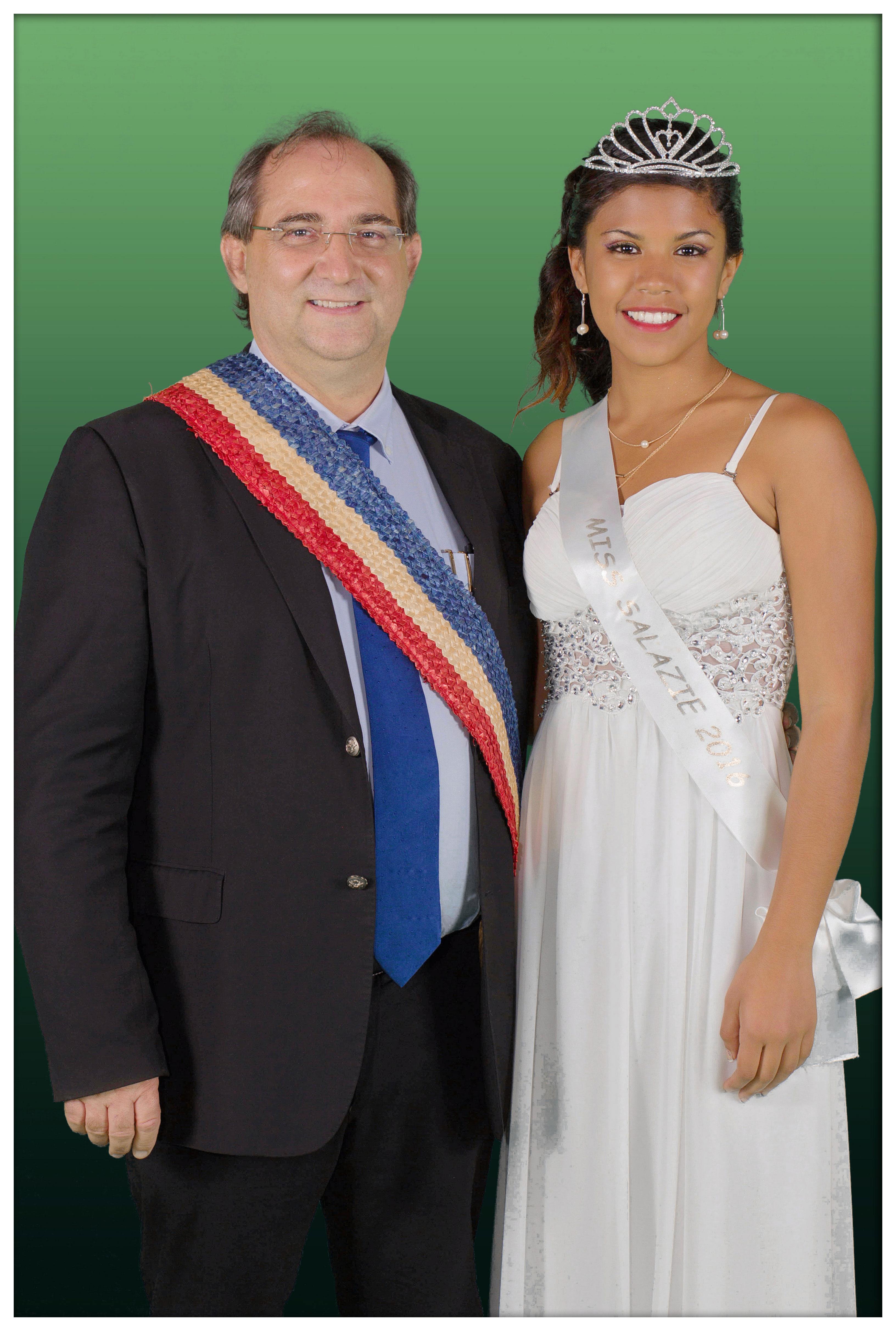 Stéphane Fouassin, le maire de Salazie, avec la nouvelle ambassadrice de sa commune