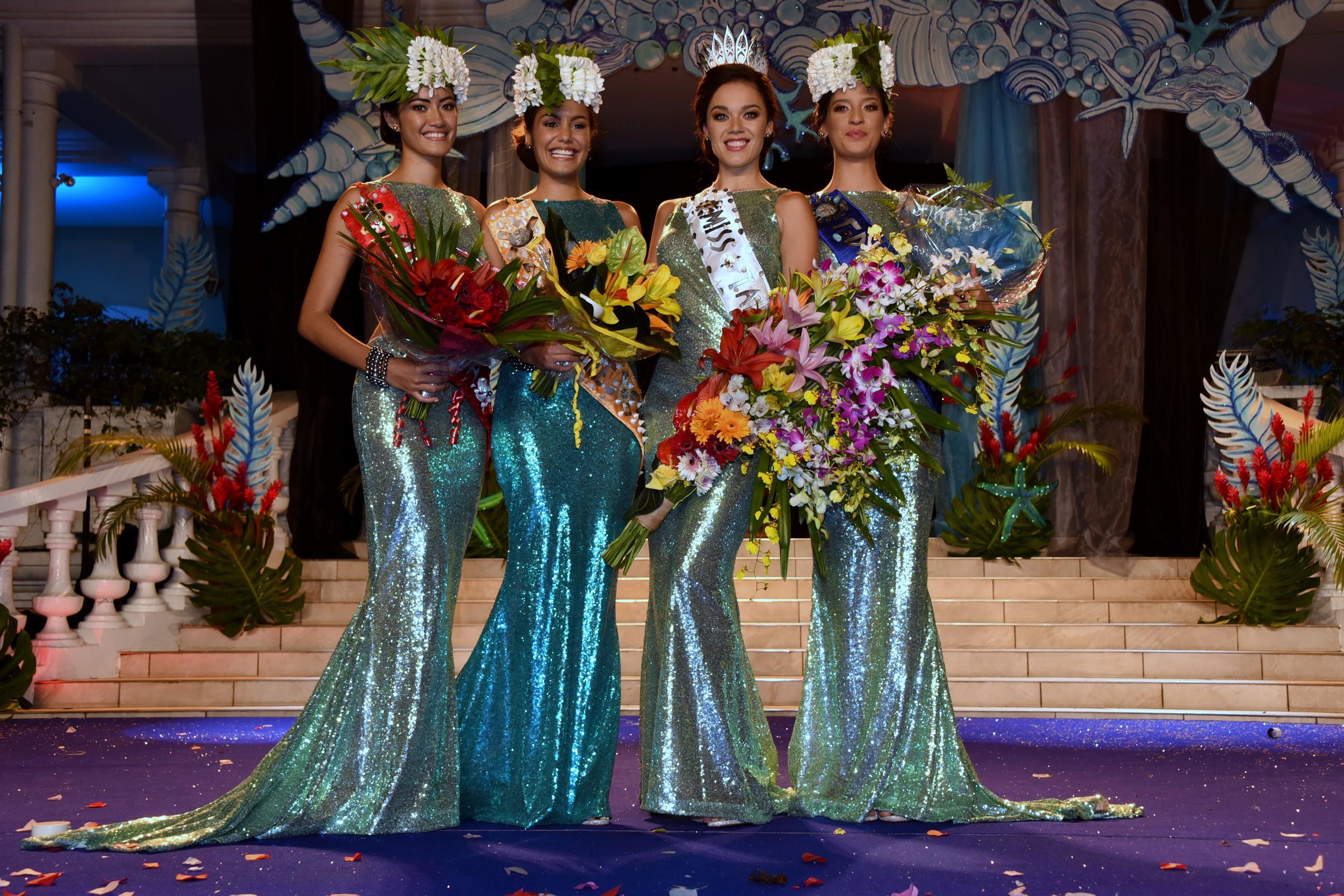 Miss Tahiti 2016 et ses dauphines
