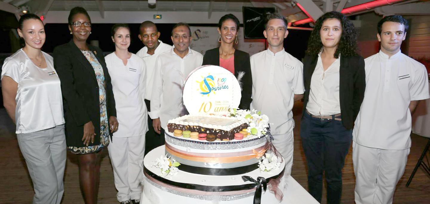 Le superbe gâteau d'anniversaire!