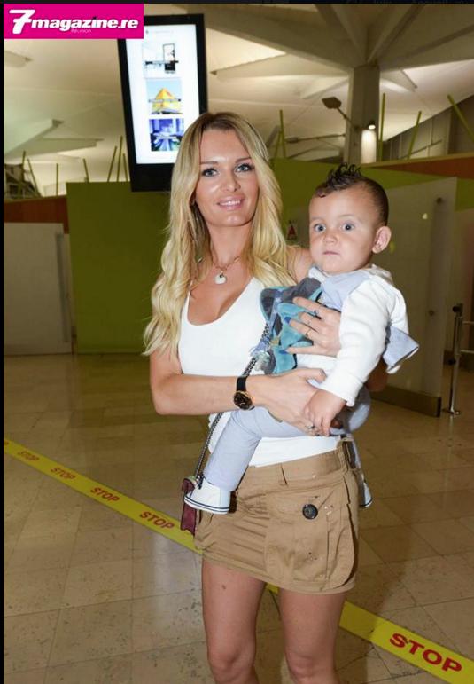 Ludivine Payet, la ravissante épouse de Dimitri Payet est là aussi avec leurs enfants
