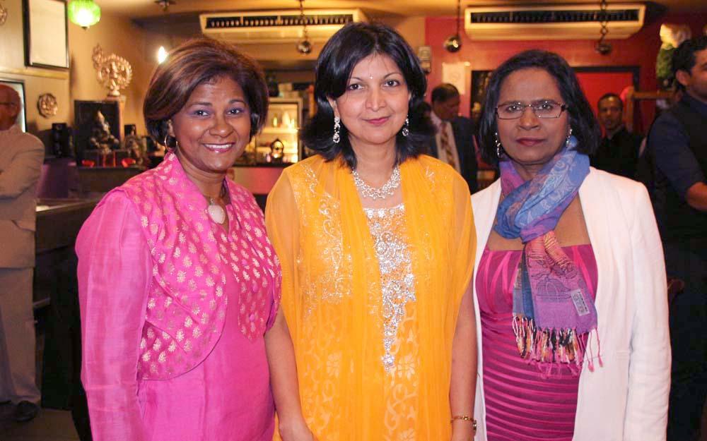 Marianne Ramsamy, entourées de Roselyne et Carmen Moutoussamy