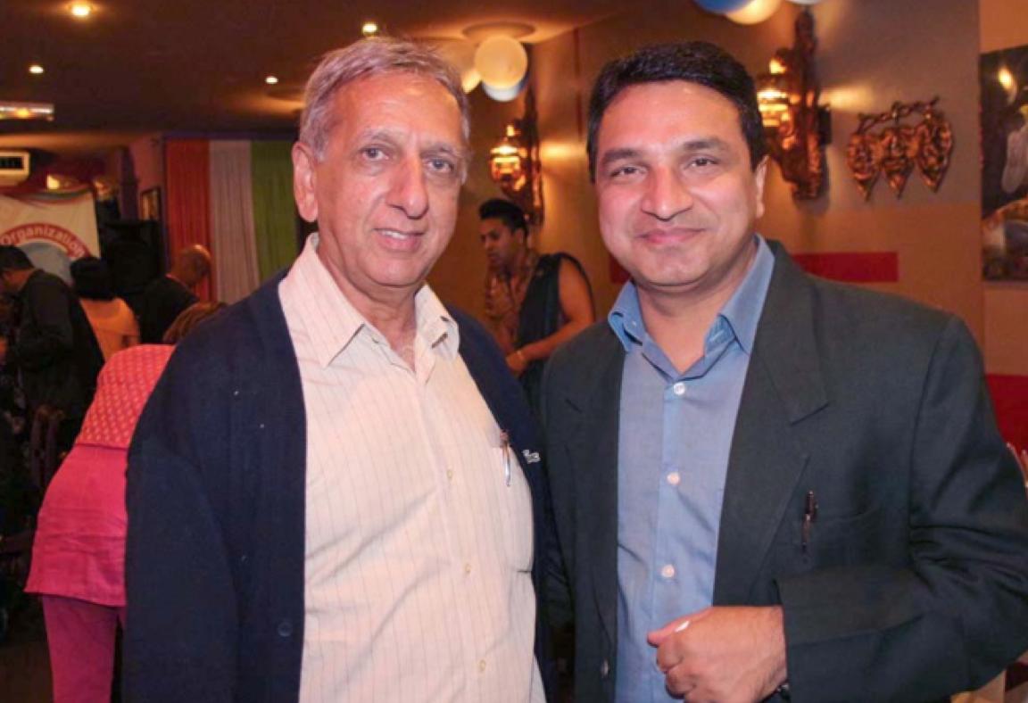 Aziz Patel et Sanjeev Kumar Bhati