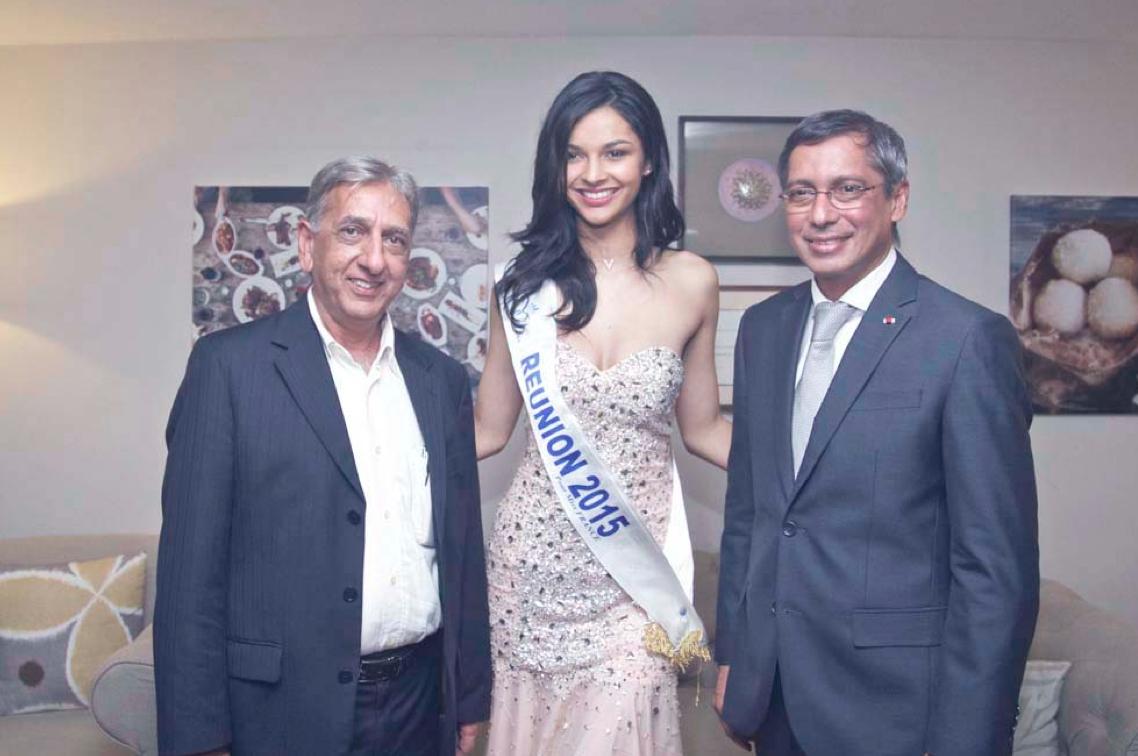 Aziz Patel du Comité Miss Réunion, Azuima Issa, Miss Réunion et 4ème dauphine Miss France 2016, et Xavier-Luc Duval, Ministre du Tourisme de Maurice