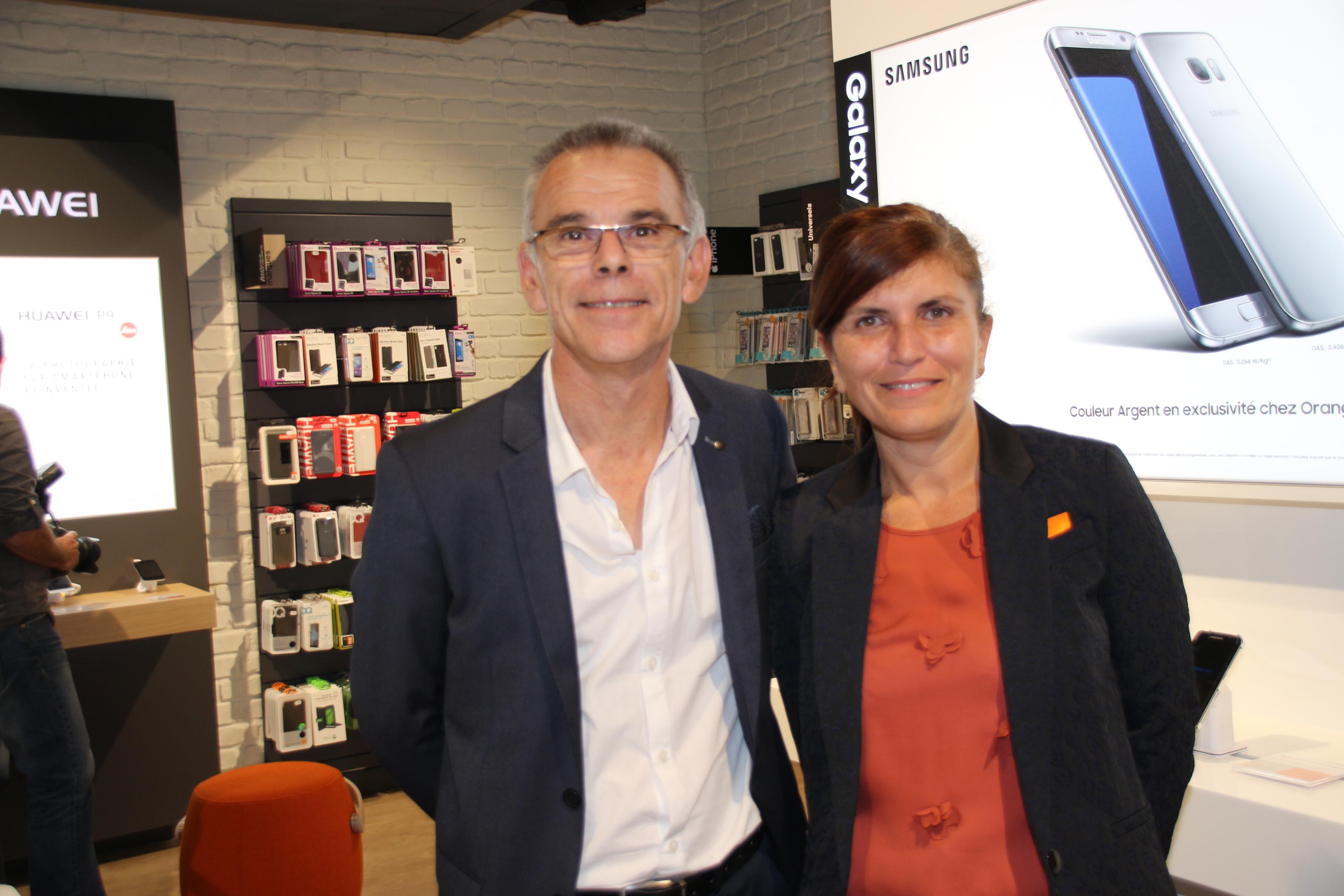 Patrick Martins, directeur des ventes, et Mireille Helou