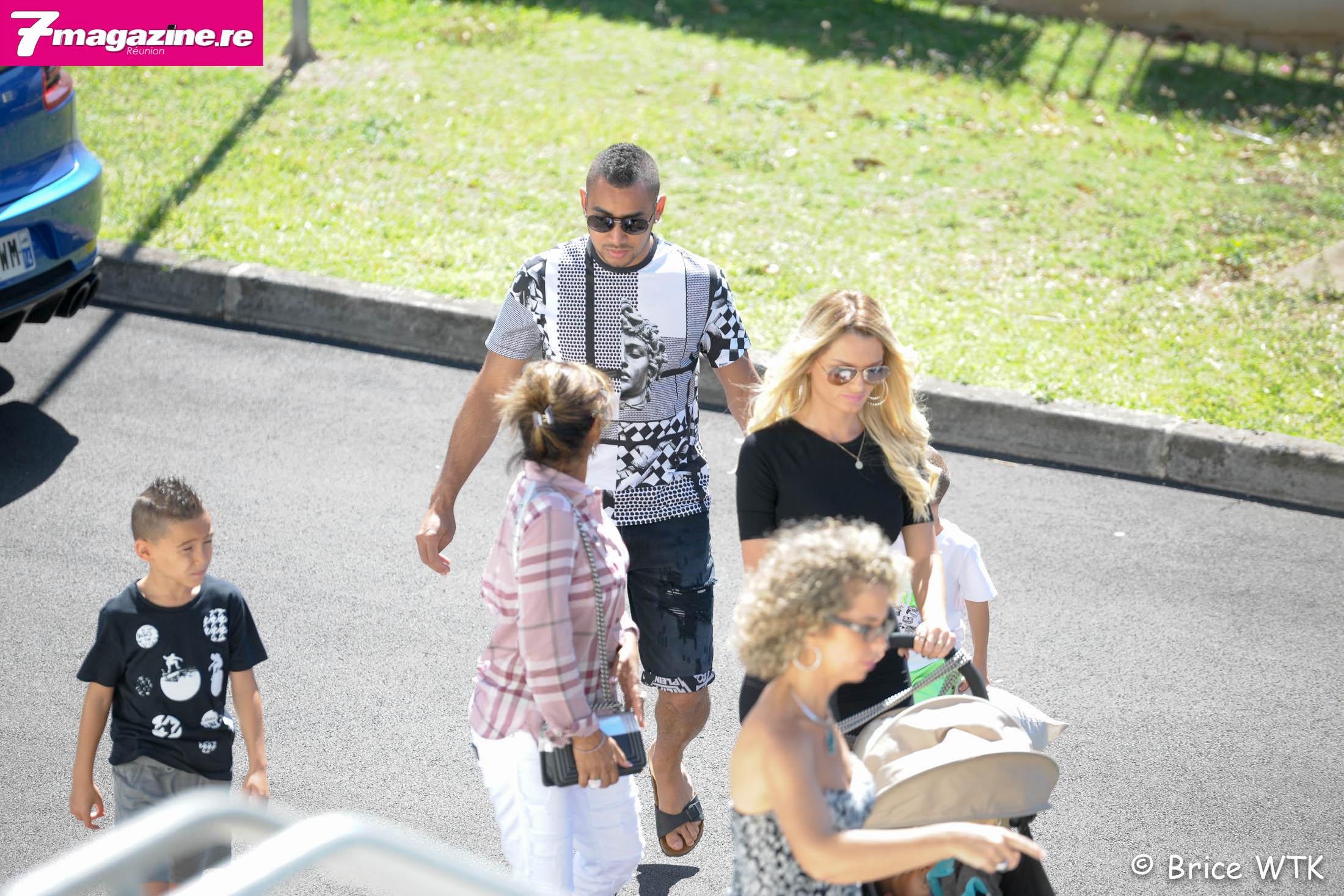 Dimitri est arrivé avec son épouse Ludivine et ses enfants, et sa maman