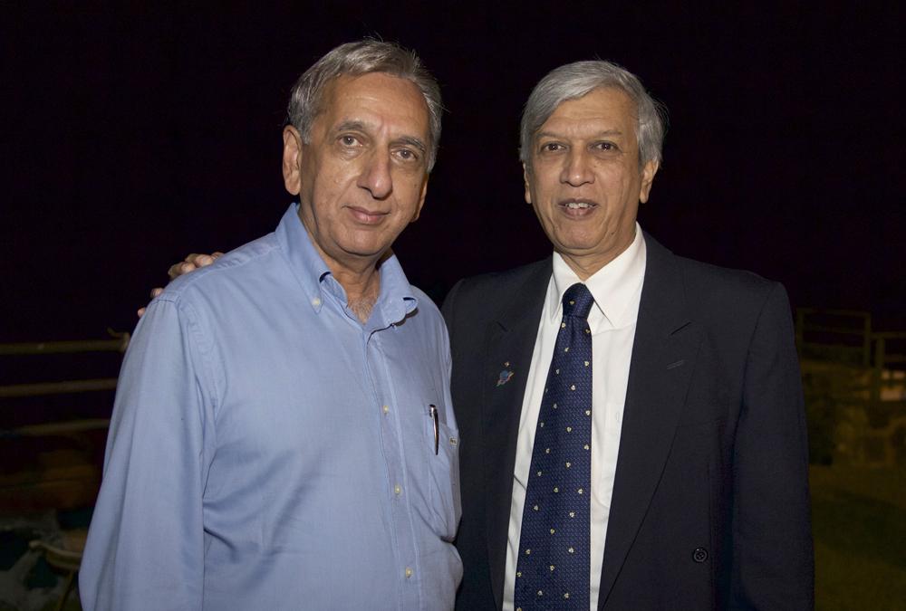 Aziz Patel et Zoëb Boudhabhay