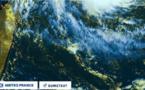 """La zone perturbée pourrait se transformer en cyclone """"assez puissant"""" d'ici la fin du week-end"""
