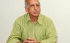 """Aziz Patel répond... <br>""""Pour moi elle est toujours en fonction"""""""